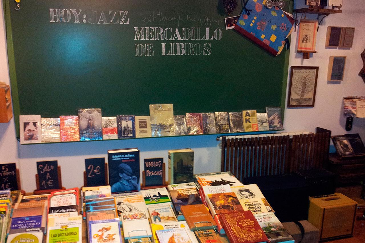 mercaillo-casa-con-libros-2
