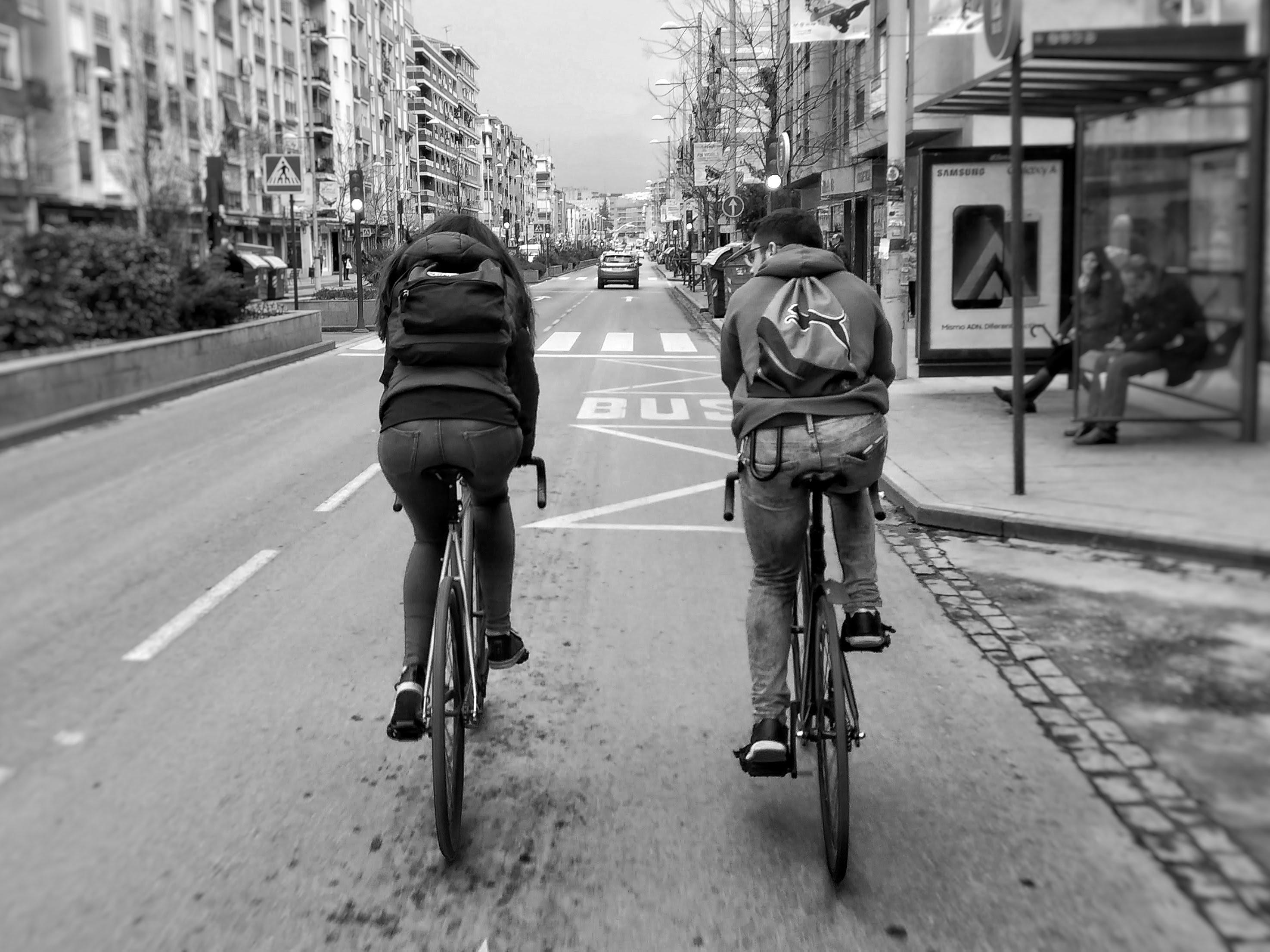 ALVARO RECA GALVEZ(Compartiendo asfalto y vida.)